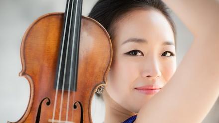 Violinist Jessica Lee at Nichols Auditorium