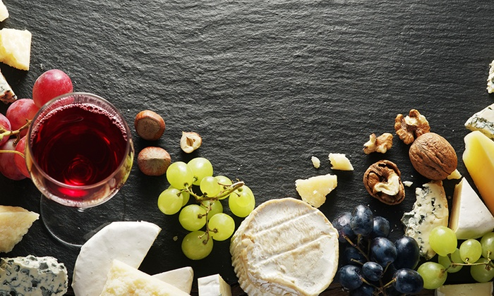 Second City Tours - Chicago Water Tower - Downtown: Wine & Cheese Walk