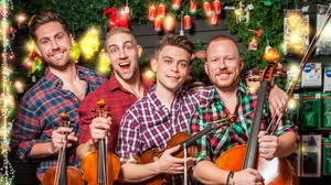 Feinstein's/54 Below: A Well-Strung Christmas at Feinstein's/54 Below