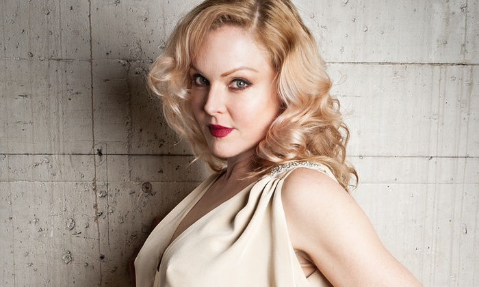 Feinstein's at the Nikko - Downtown San Francisco-Union Square: Singer Storm Large at Feinstein's at the Nikko