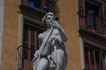 4 horas totalmente personalizable historia y las leyendas de Madrid a pie Oferta en Groupon