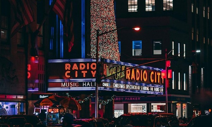 1-Day Christmas in New York City Bus Tour