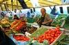 Balade sur le marché alimentaire local près du Marais