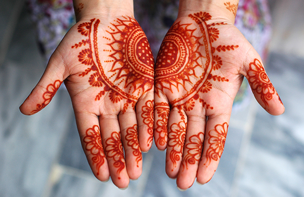 A Beginner's Guide to All Things Henna Hero