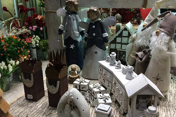 Bari, 5 negozi dove trovare addobbi per Natale