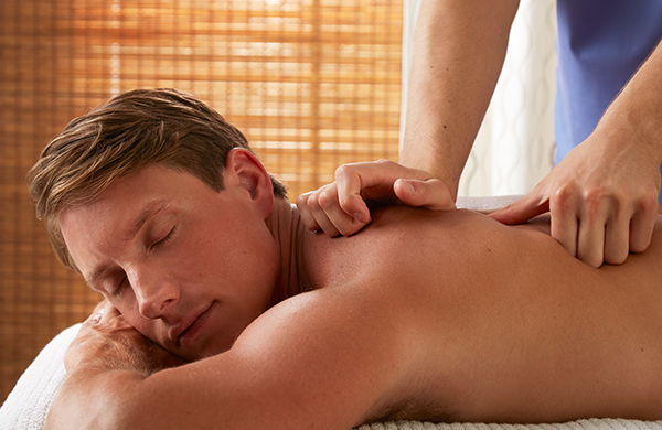 man-getting-deep-tissue-massage