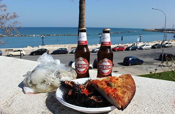 Street food a Bari: la guida completa su dove e cosa mangiare
