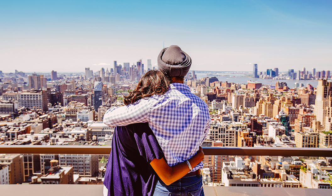couple looking at nyc skyline