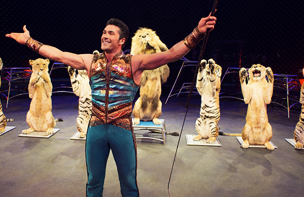 Ringling Bros.' Alexander Lacey on Training Big Cats Performance