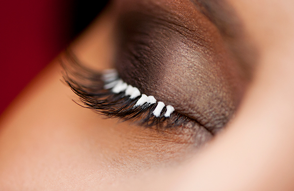 6d1ae7b5357 She then applies a primer to your upper lashes before using tweezers to fan  out your lashes and ...