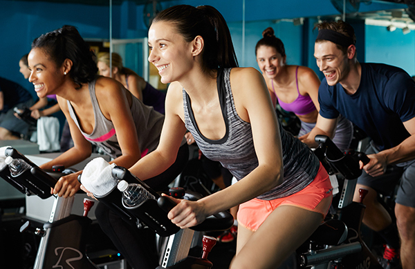 what is spinning class a guide to the indoor cycling trend