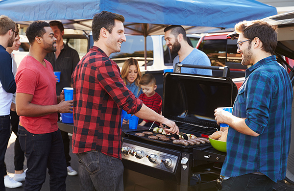 9 Tailgating Items You Need This Season