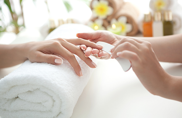 What's the Point of a Natural Nail Manicure? Our Beauty