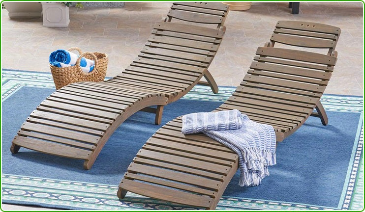 Set of 2 Wooden Chaise Loungers