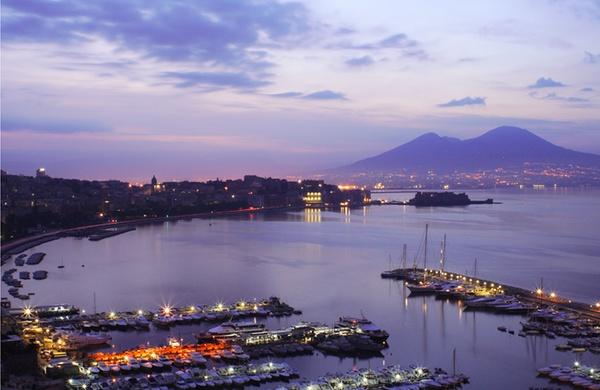 Golfo di Napoli notte