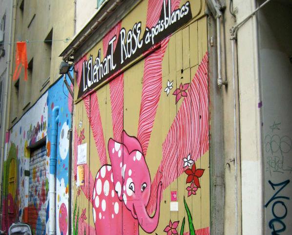 L'Eléphant Rose à Poids Blancs Marseille