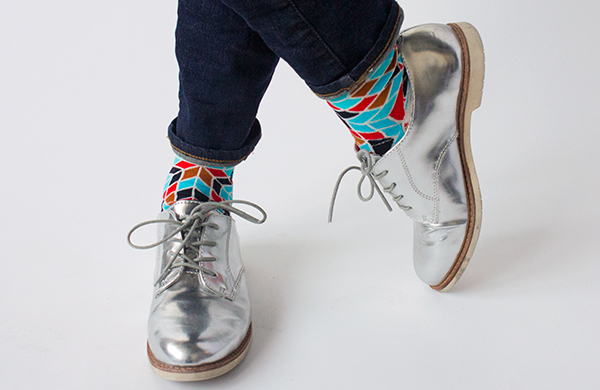 do-not-underestimate-the-power-of-statement-socks_3_600c390