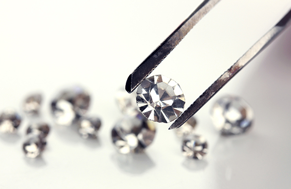 blog difference grown article diamonds and labgrown natural diamond the lab laboratory between