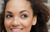 woman with threaded eyebrows
