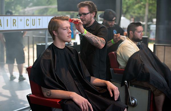 The-Best-of-Pitchfork-Music-Festival-2014-haircut_600c390