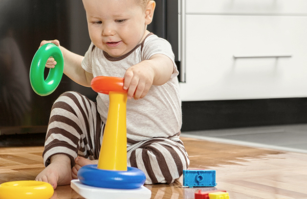 Toys buying guide for Toys to develop fine motor skills in babies
