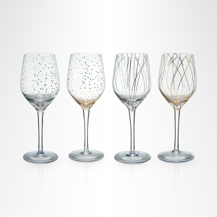 Gold-accented wineglasses