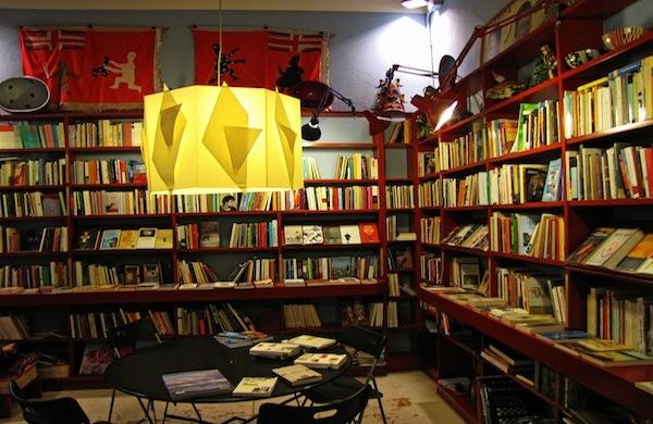 Cerchi una libreria di viaggio a Milano? Azalai è la soluzione