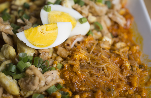 why-filipino-noodles-are-as-nuanced-as-italian-pastas_palabok_600c390