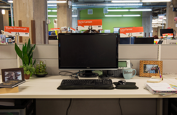 it-doesnt-take-much-to-make-over-your-desk_ja_600c390