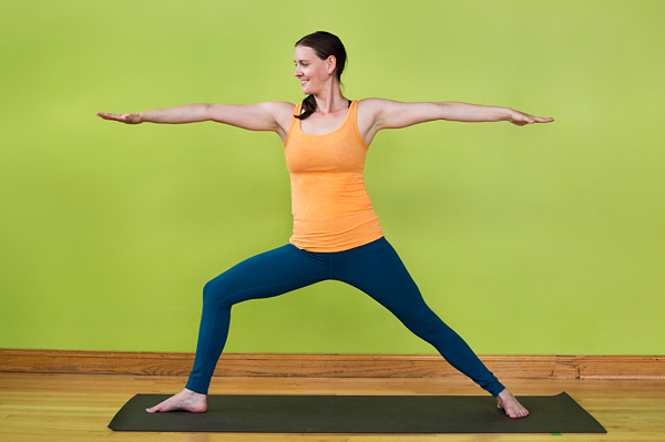 A Guide to Yoga for Beginners_warrior_pose
