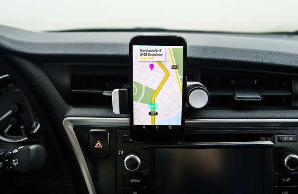 smartphone in car dash mount