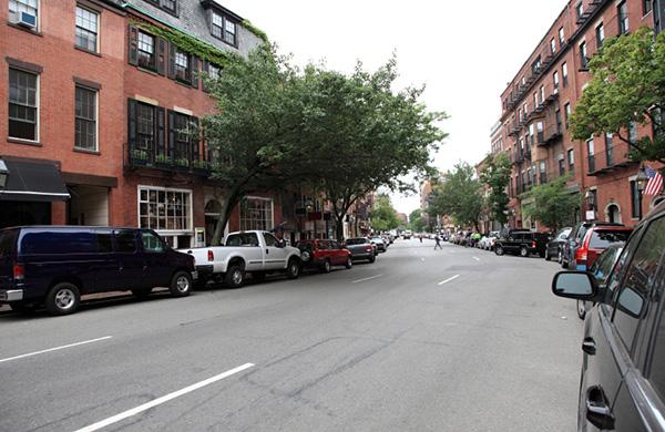 Accessories Galore: Shop Boston Boutiques