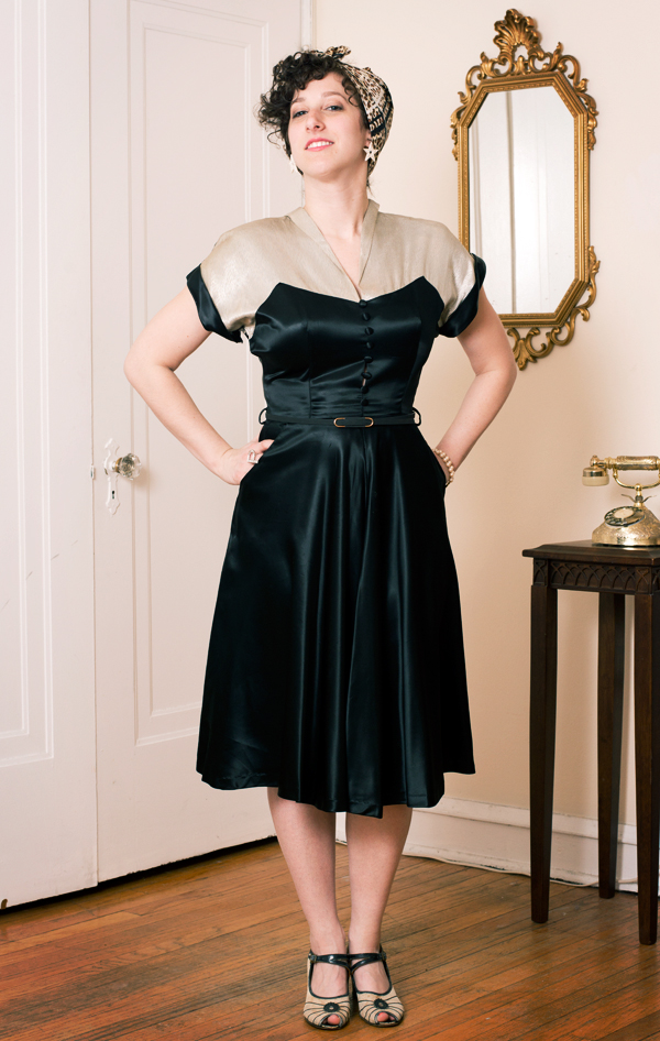 these-vintage-dresses-are-the-best-reason-to-become-a-vaudeville-comedian_2_600c390