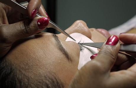 eyelash extensions faq thumbnail