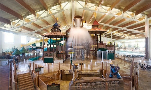 six-indoor-water-parks-to-visit-all-year-long_great_wolf_600c360