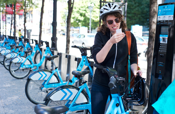 A-First-Timers-Guide-to-Divvy-Biking_knowyourcity_600c390