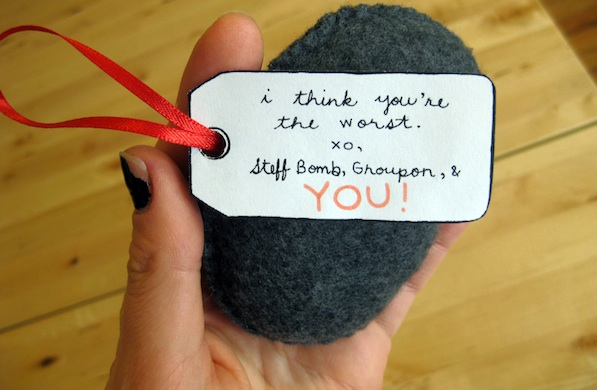 make-this-coal-plush-ornament-for-the-naughty-people-on-your-gift-list_note_600c390