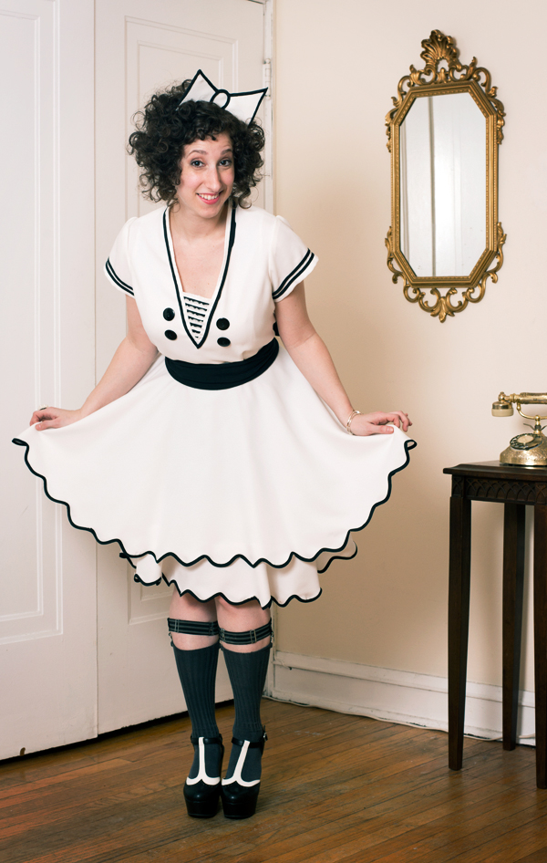 these-vintage-dresses-are-the-best-reason-to-become-a-vaudeville-comedian_4_600c390