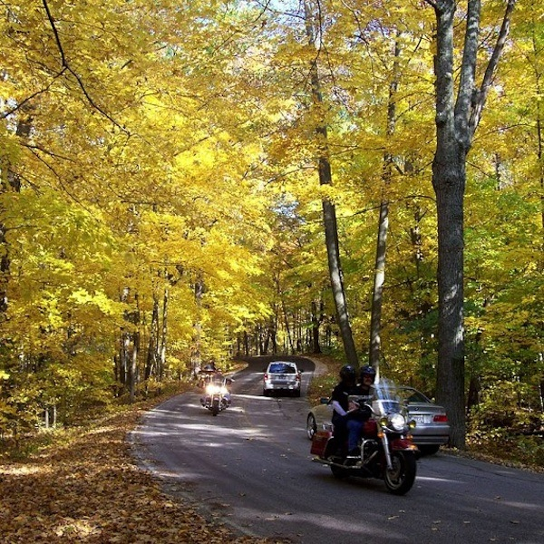 Five Underappreciated Hikes and Drives for Fall Colors