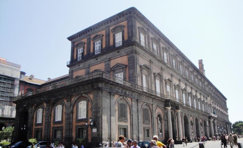 Il Palazzo Reale di Napoli, tutte le informazioni utili per la visita