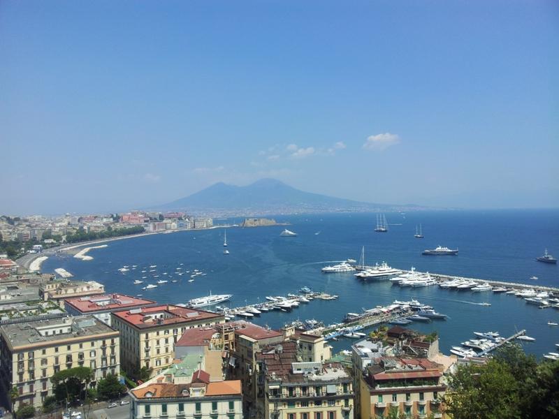 Dieci motivi per amare Napoli