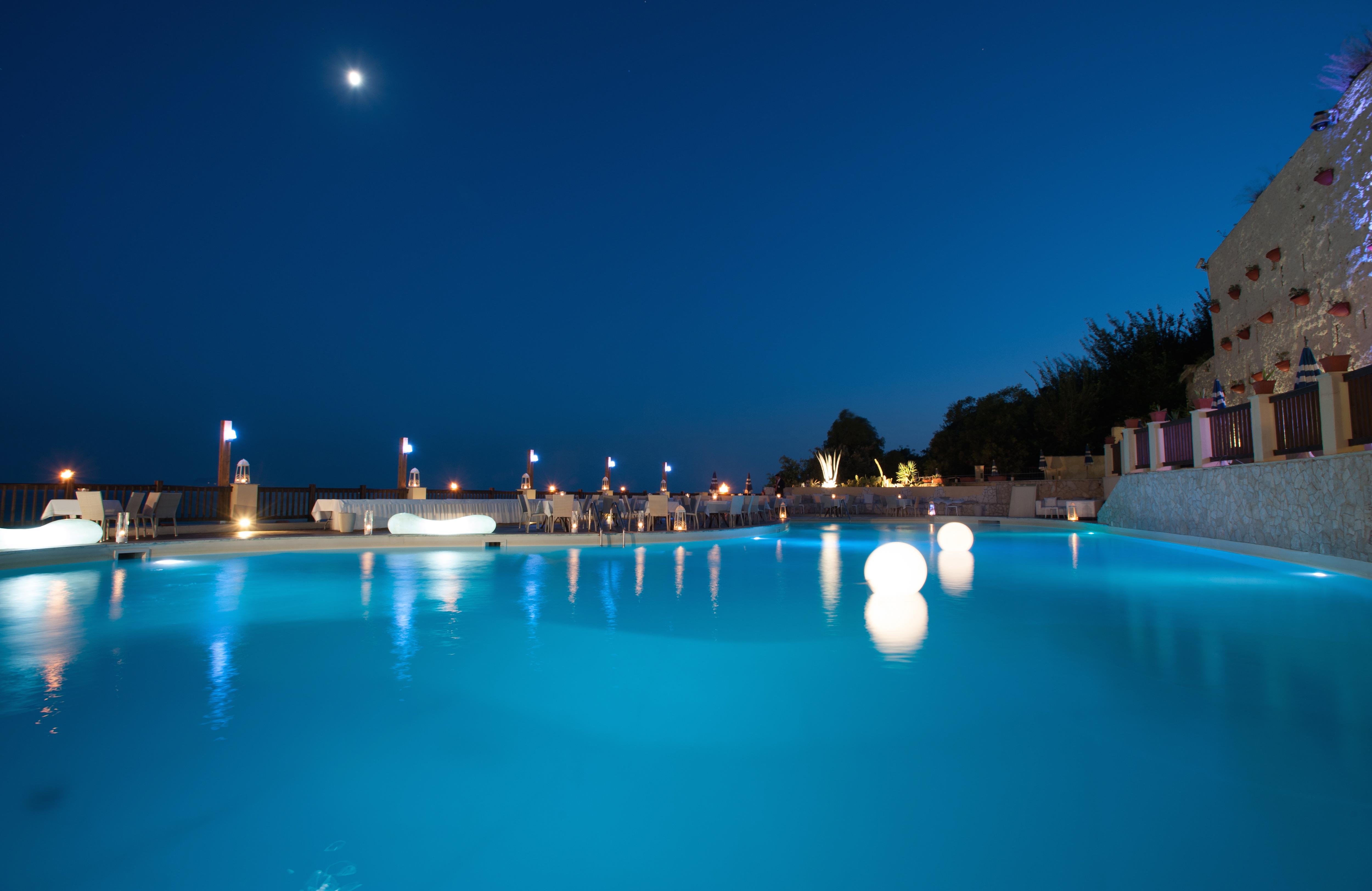 piscina villa fattorusso