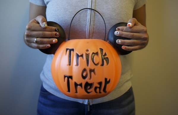 my trick or treat manicure