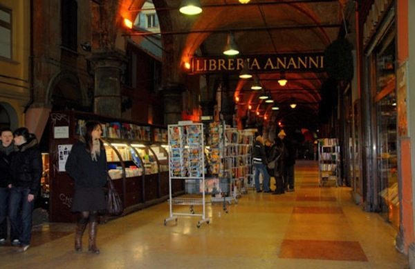 La libreria Nanni di Bologna tra libri usati, rarità e storia