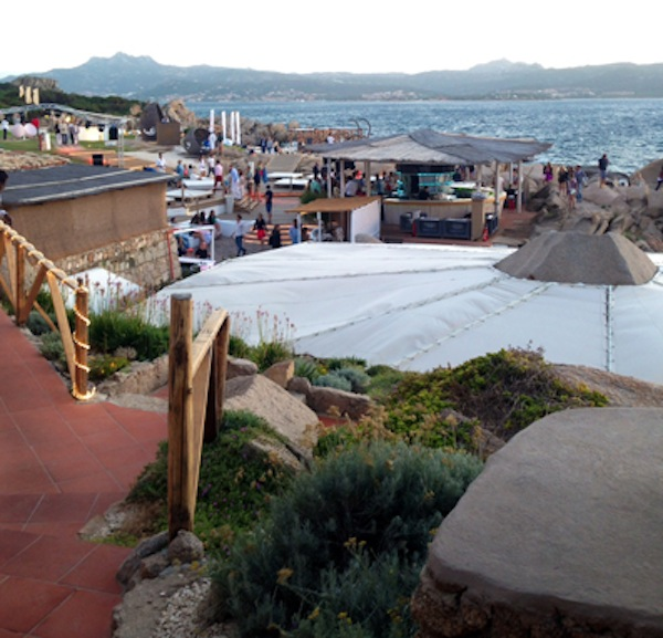 Phi Phi Beach: Il Phi Beach Di Baja Sardinia Con Giancarlo Morelli