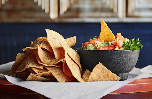 Tortilla Chips Milwaukee Mexican Restaurants Ubiquitous Treat