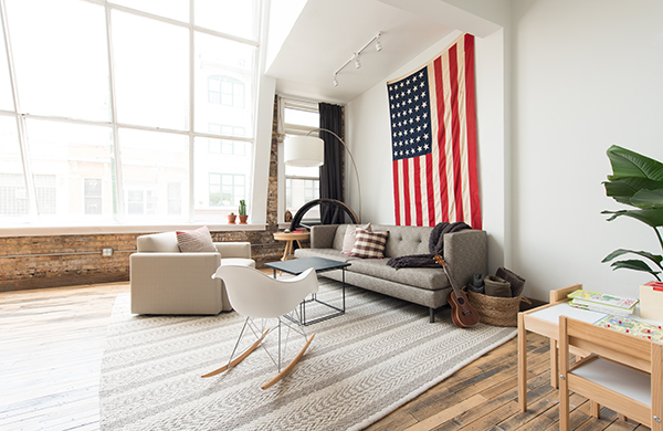 inside the photogenic home of two pro photographers flag 600c390