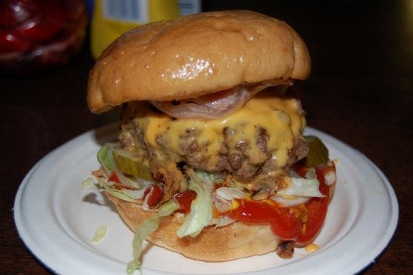 Lucky Chip Cheeseburger