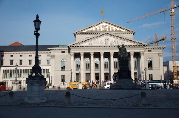 Ein Großteil der Aufführungen der Festspiele finden im Nationaltheater statt