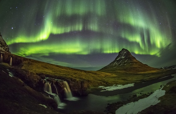 Top 10 International Travel Destinations Iceland jpg